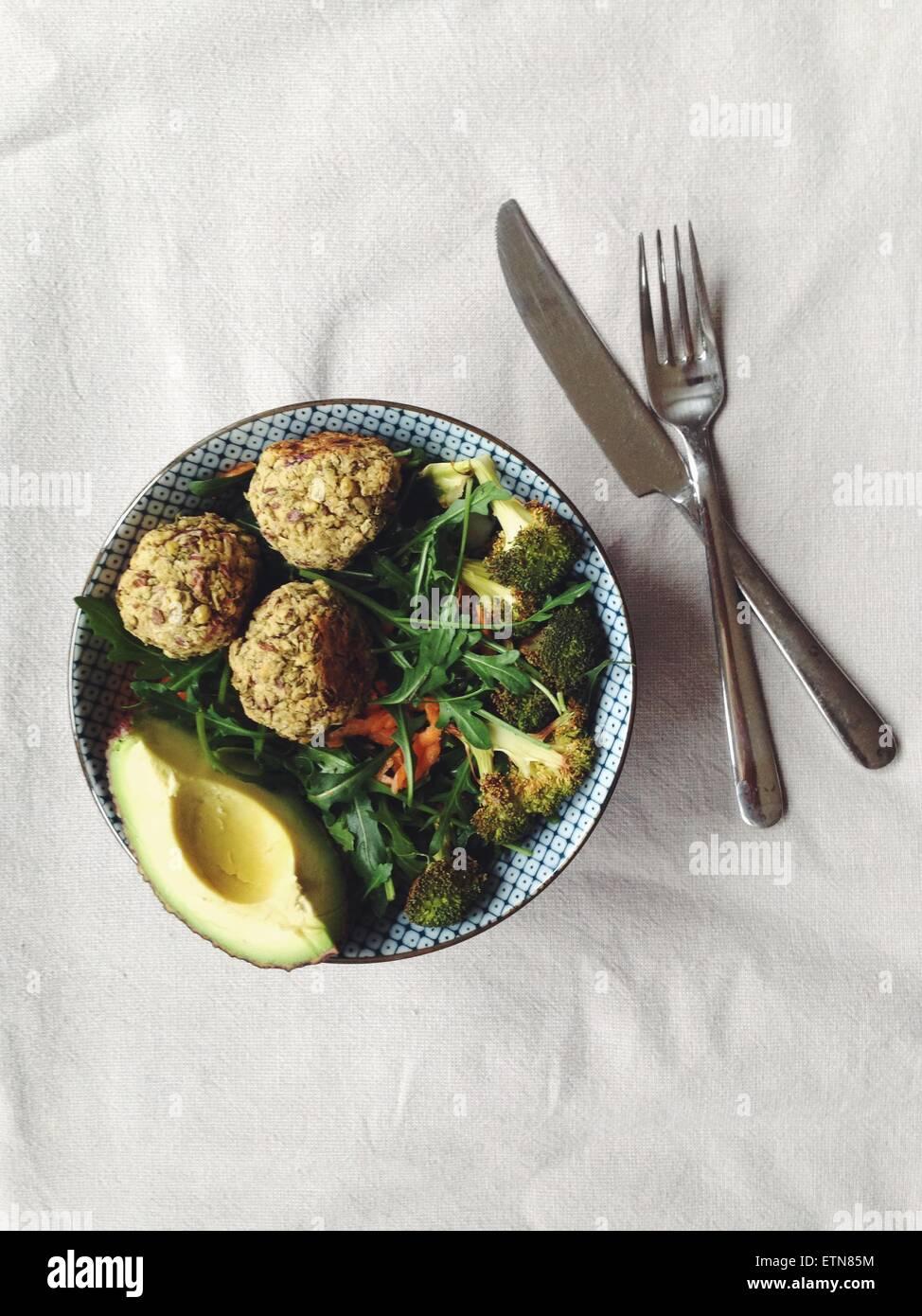 Ensalada Falafel cocido Foto de stock