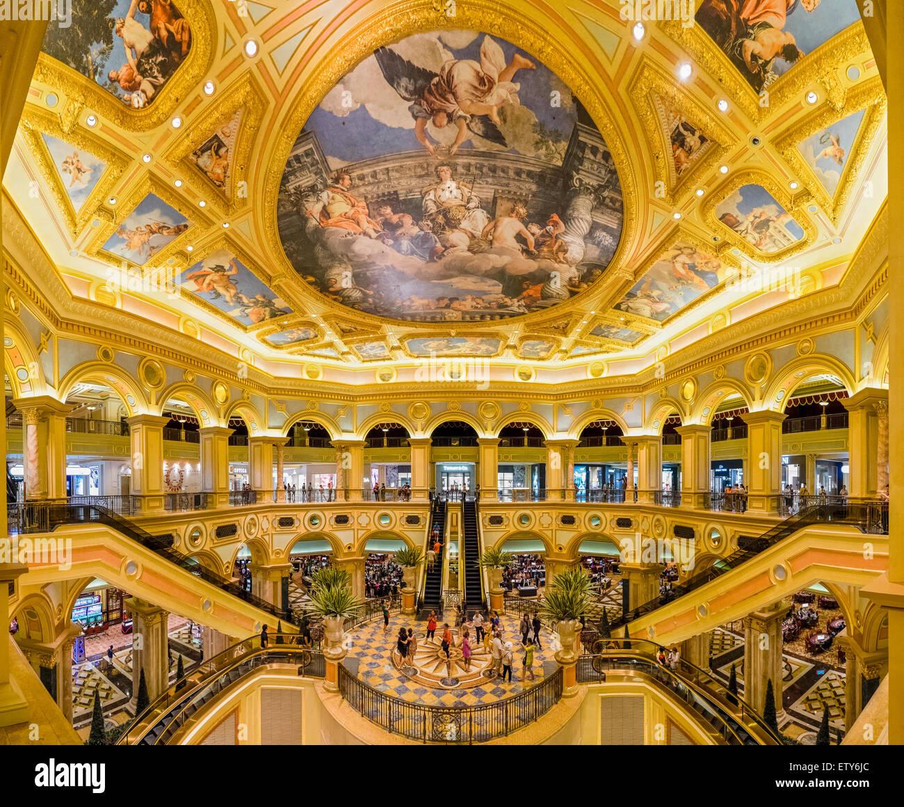 Adornos interiores del hotel y casino Venetian Macao en Macao, China Imagen De Stock