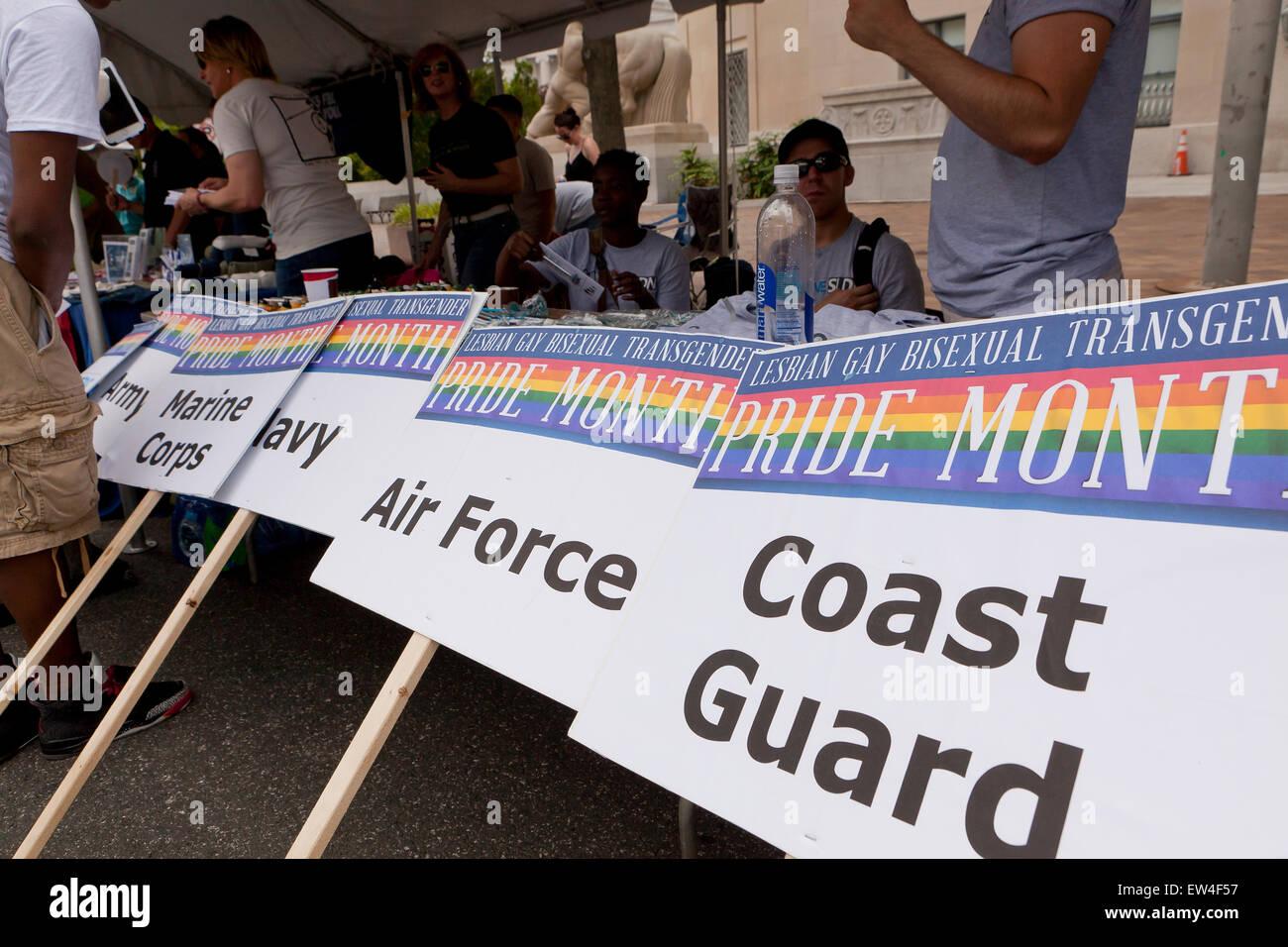 Reclutador militar estadounidense Pride Festival carpa en DC - Washington, DC, EE.UU. Imagen De Stock