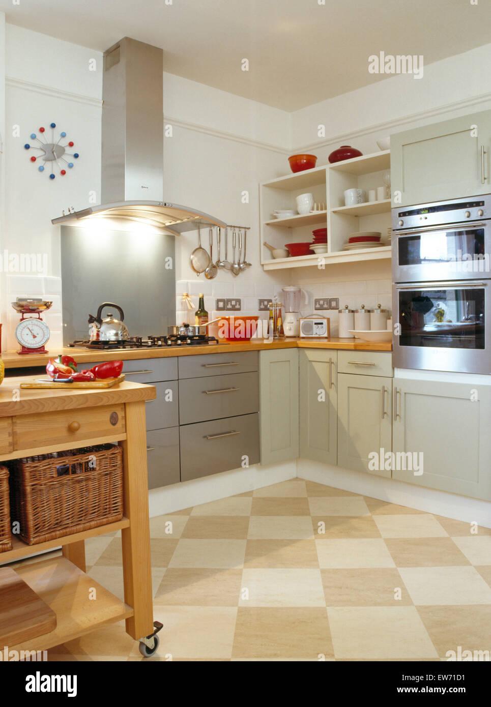 Azulejos Cocina Moderna | Suelos De Tablero De Azulejos En Cocina Moderna Con Iluminacion