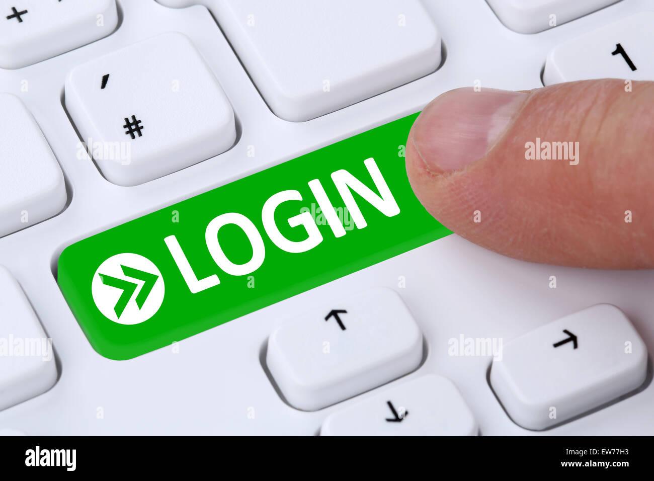 Pulsar botón Submit Login con contraseña en el equipo Imagen De Stock