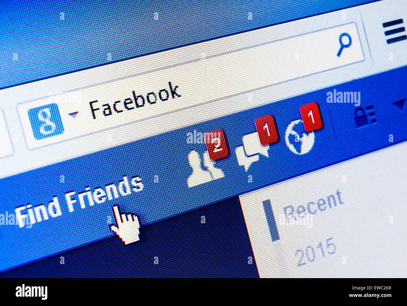 GDANSK, Polonia - 18 de enero de 2015. Facebook.com homepage en la pantalla. Facebook es una red social y de microblogging Imagen De Stock
