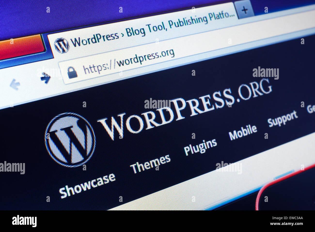 GDANSK, Polonia - 25 de abril de 2015. Wordpress homepage en la pantalla del ordenador. WordPress es un servicio Imagen De Stock