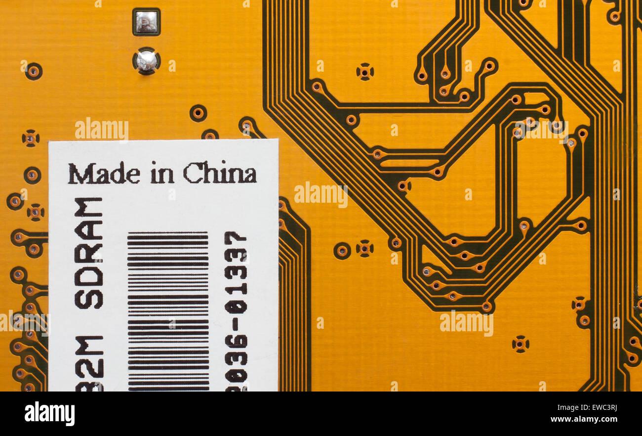 Electrónica de fondo. Piezas de ordenador con la etiqueta Made in China Imagen De Stock
