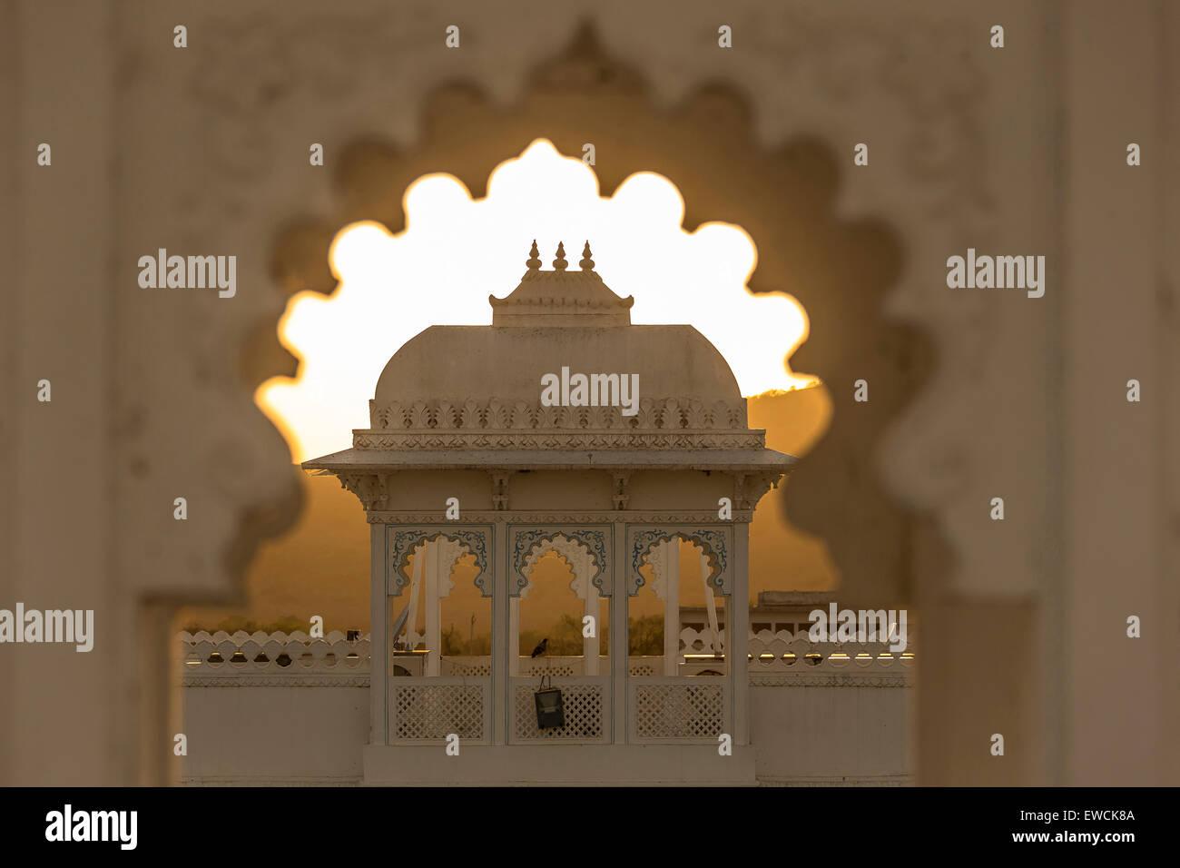 Hotel Nahargarh al atardecer. Rajasthan, India Imagen De Stock
