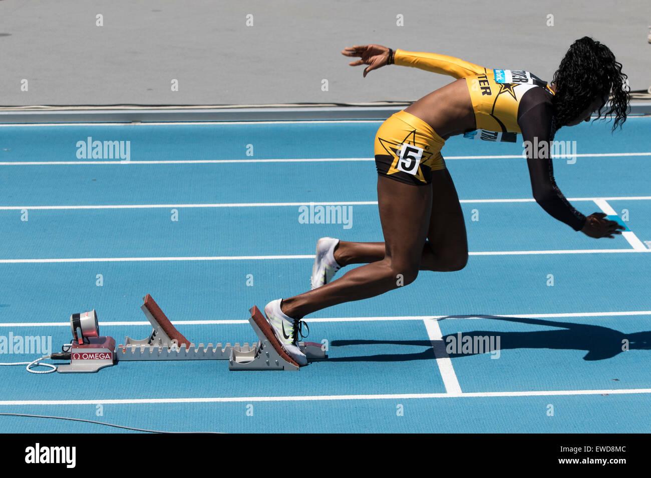 Deedee Trotter (USA) a partir de la mujer B 400m de carrera en el 2015 Adidas Grand Prix de la Liga de diamante Imagen De Stock