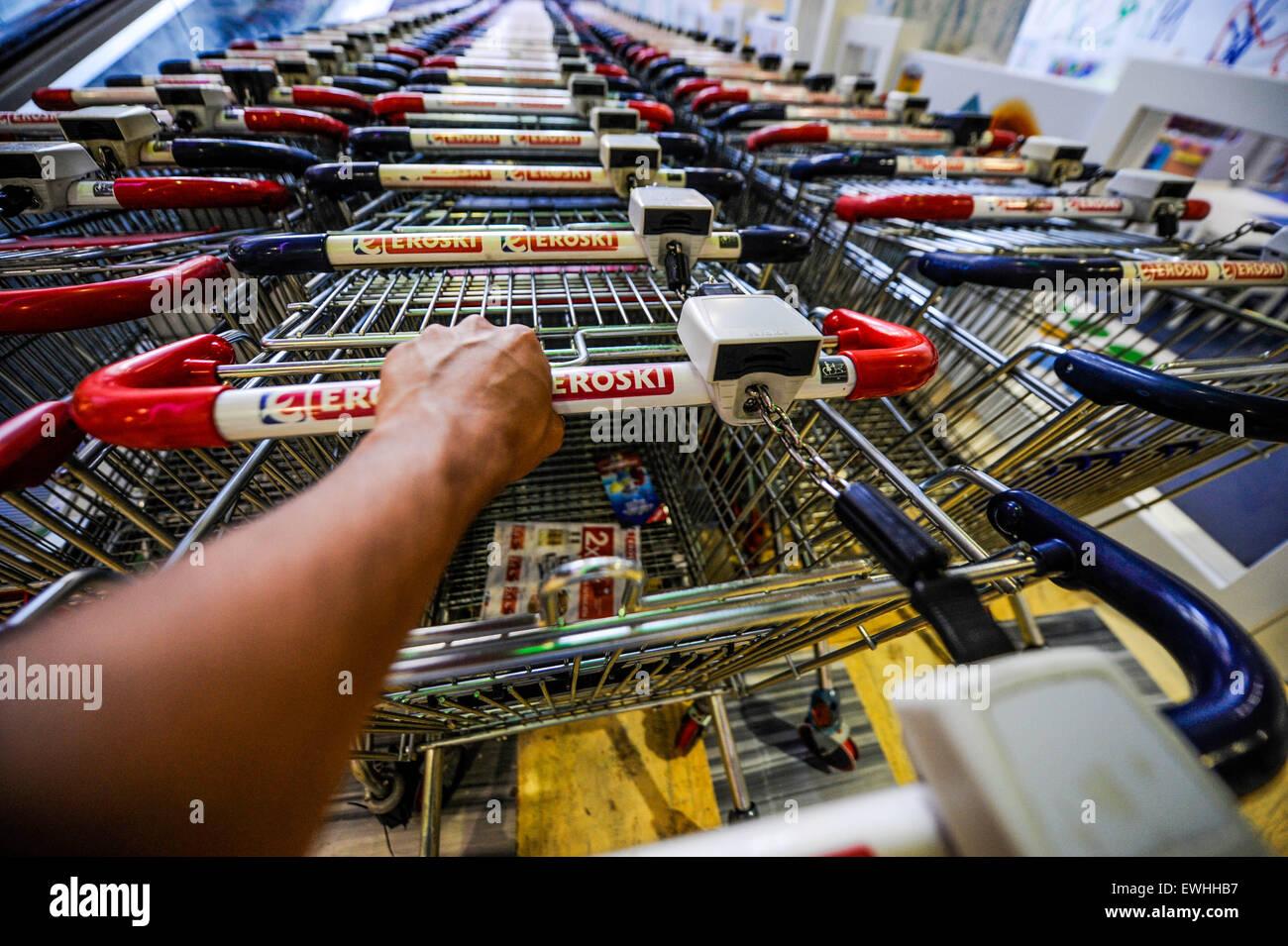 Compras Eroski Imagen De Stock