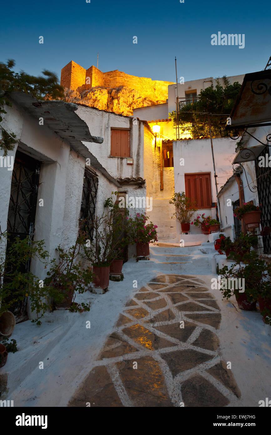 Acrópolis visto desde las calles de Anafiotika, Atenas, Grecia Imagen De Stock