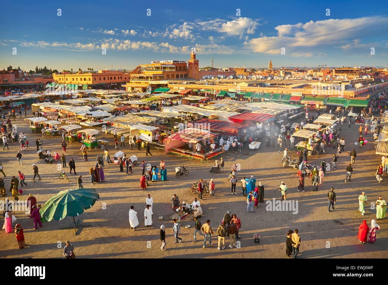 Plaza Djemaa el-Fna, Marrakech Medina, Marruecos, África Imagen De Stock