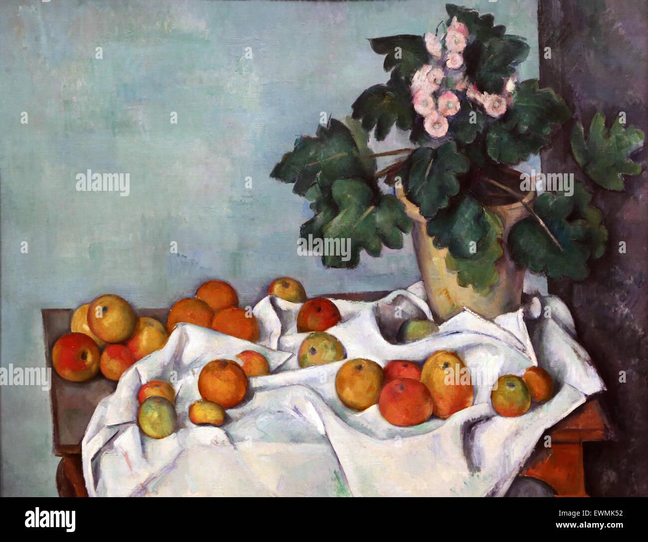 Paul Cezanne (1839-1906). El pintor francés. Bodegón con manzanas y una olla de Prímulas, 1890. Óleo Imagen De Stock