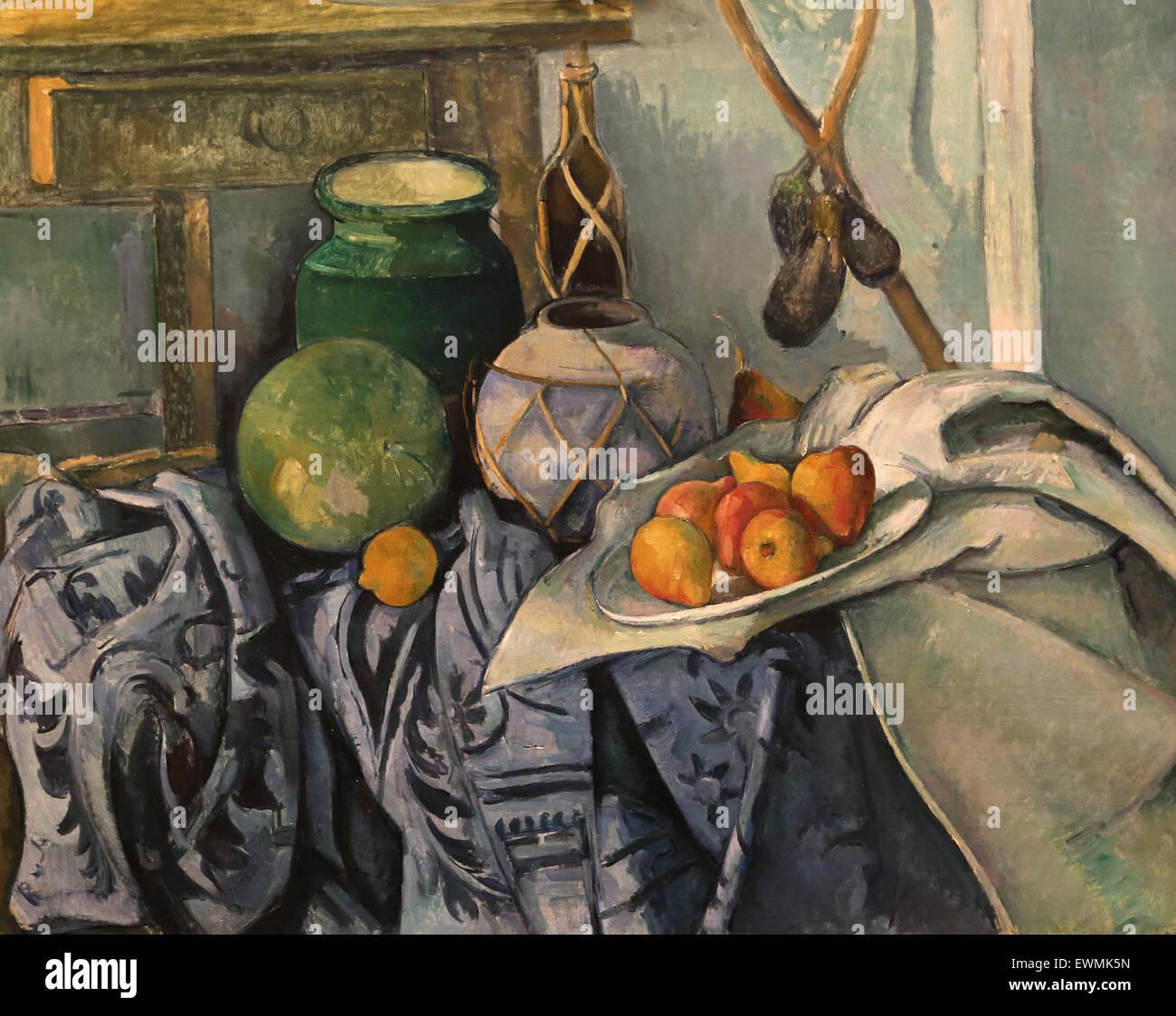 Paul Cezanne (1839-1906). El pintor francés. Bodegón con jarra de jengibre y berenjenas, 1893-94. Óleo Imagen De Stock
