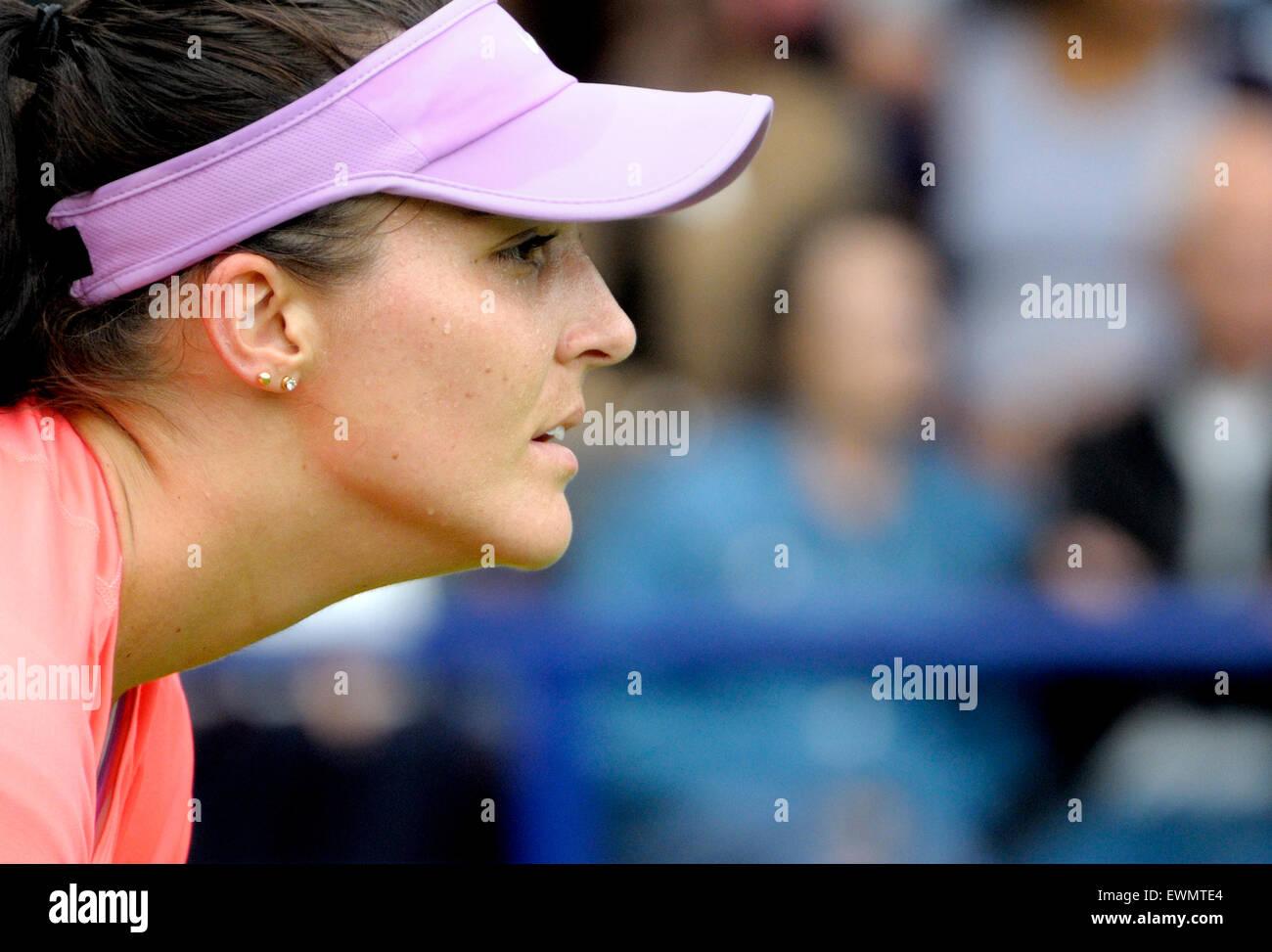 Laura Robson (Gran Bretaña) jugando en el Aegon International ronda clasificatoria, Eastbourne 20 de junio Imagen De Stock