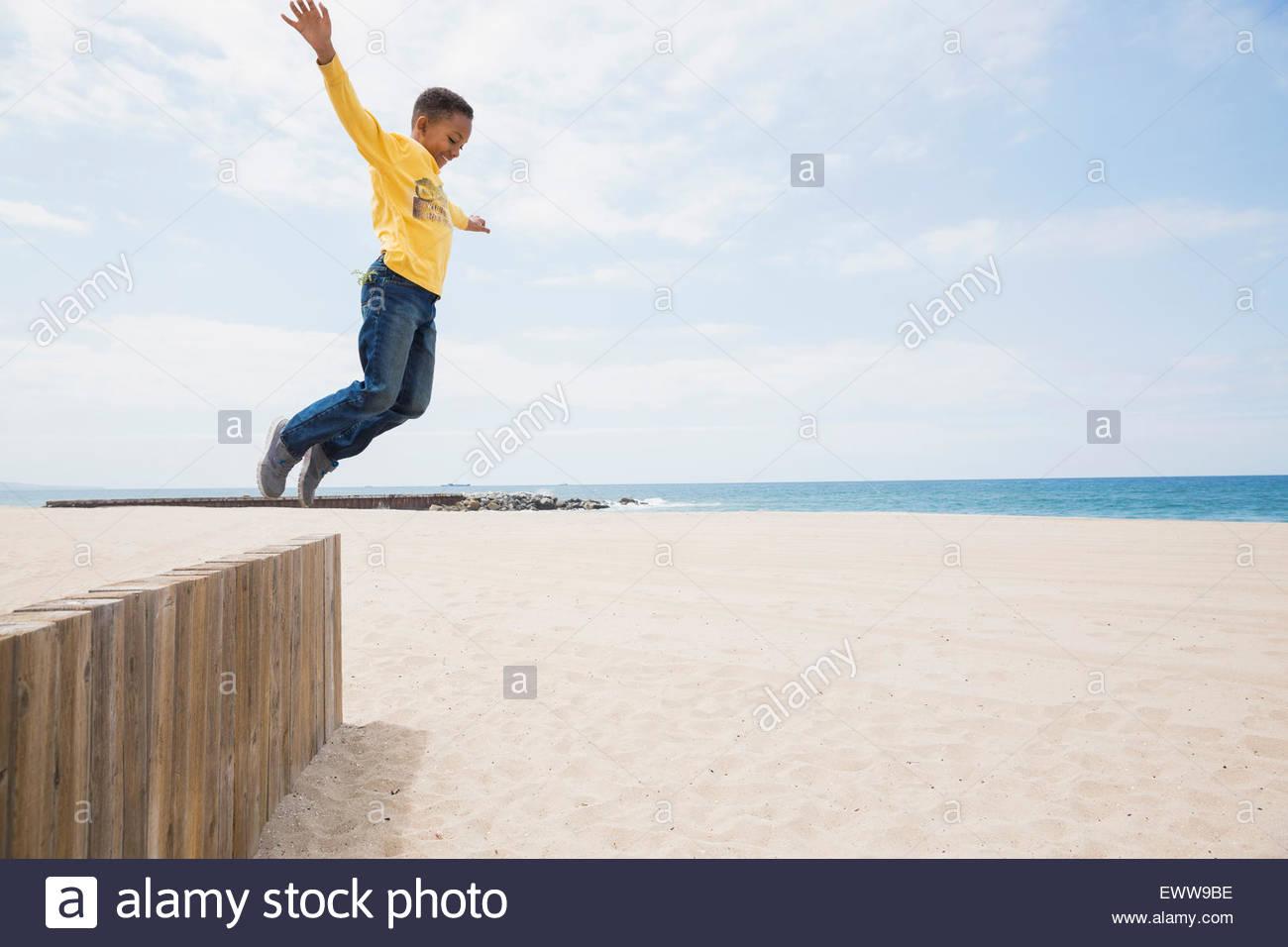 Salto Chico de la playa muro Imagen De Stock
