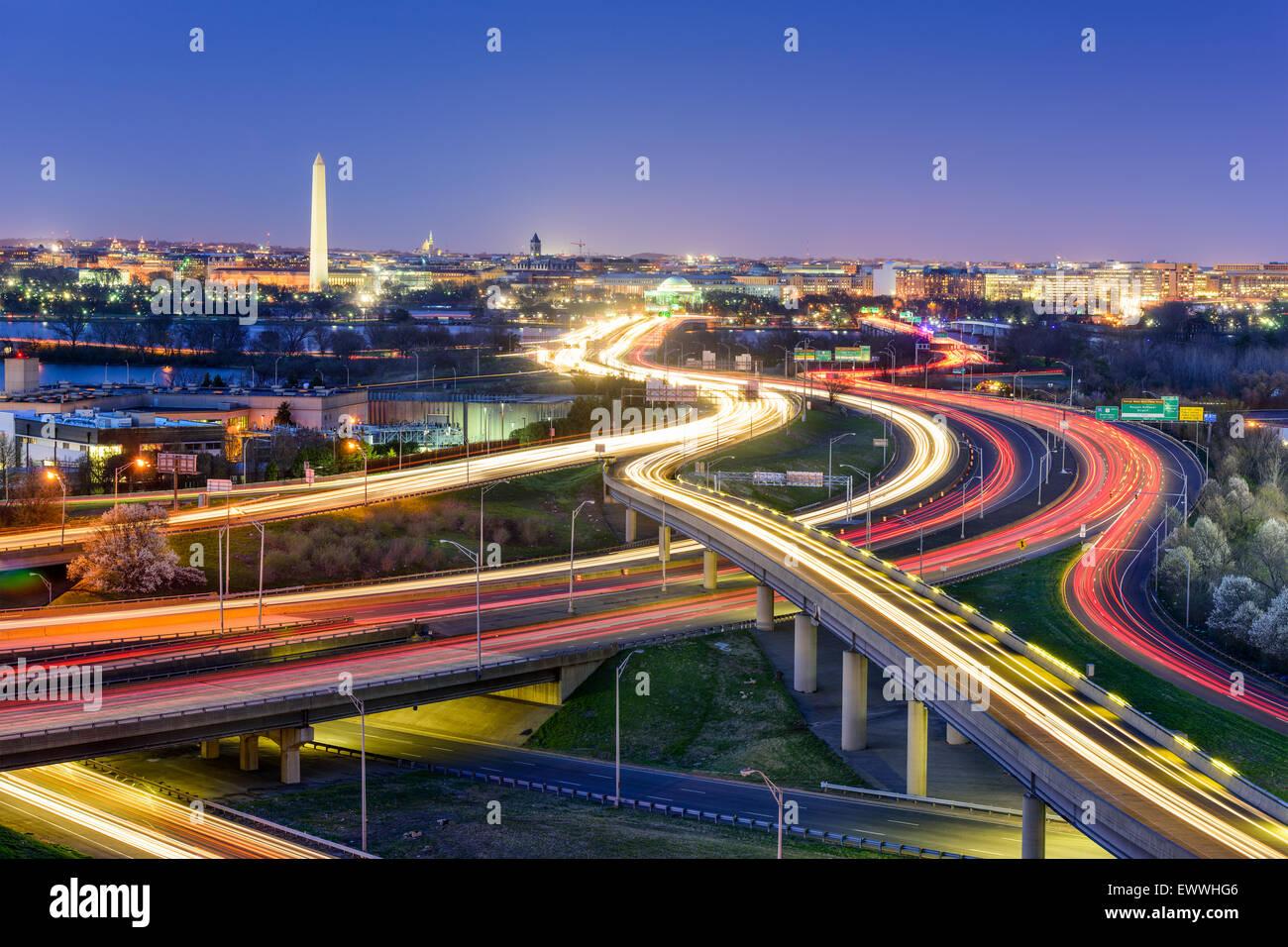 Washington, DC, EEUU skyline en la noche. Imagen De Stock