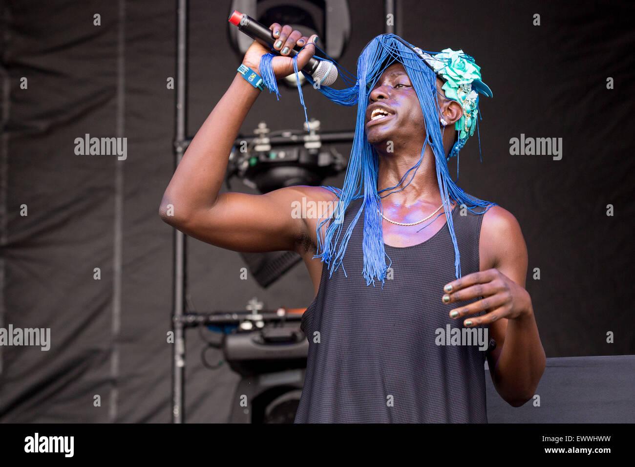 Dover, Deleware, EE.UU.. 19 de junio de 2015. El rapero LE1F actúa en directo en el escenario del Festival de Música de Firefly en Dover, Delaware © Daniel DeSlover/Zuma alambre/Alamy Live News Foto de stock