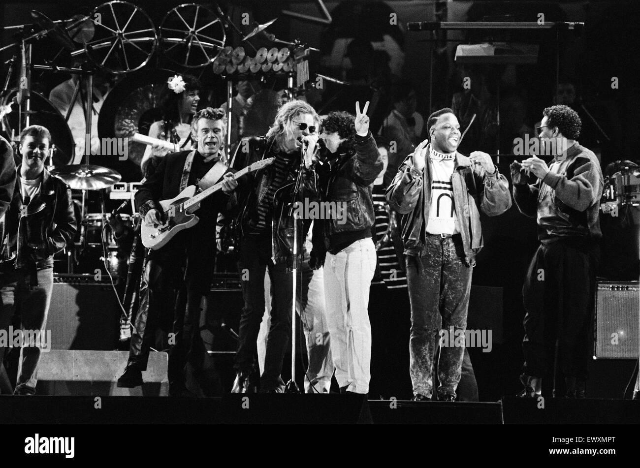 John Lennon concierto conmemorativo celebrado en Pier Head, Liverpool. Hall y Oates realizar. 5 de mayo de 1990. Foto de stock