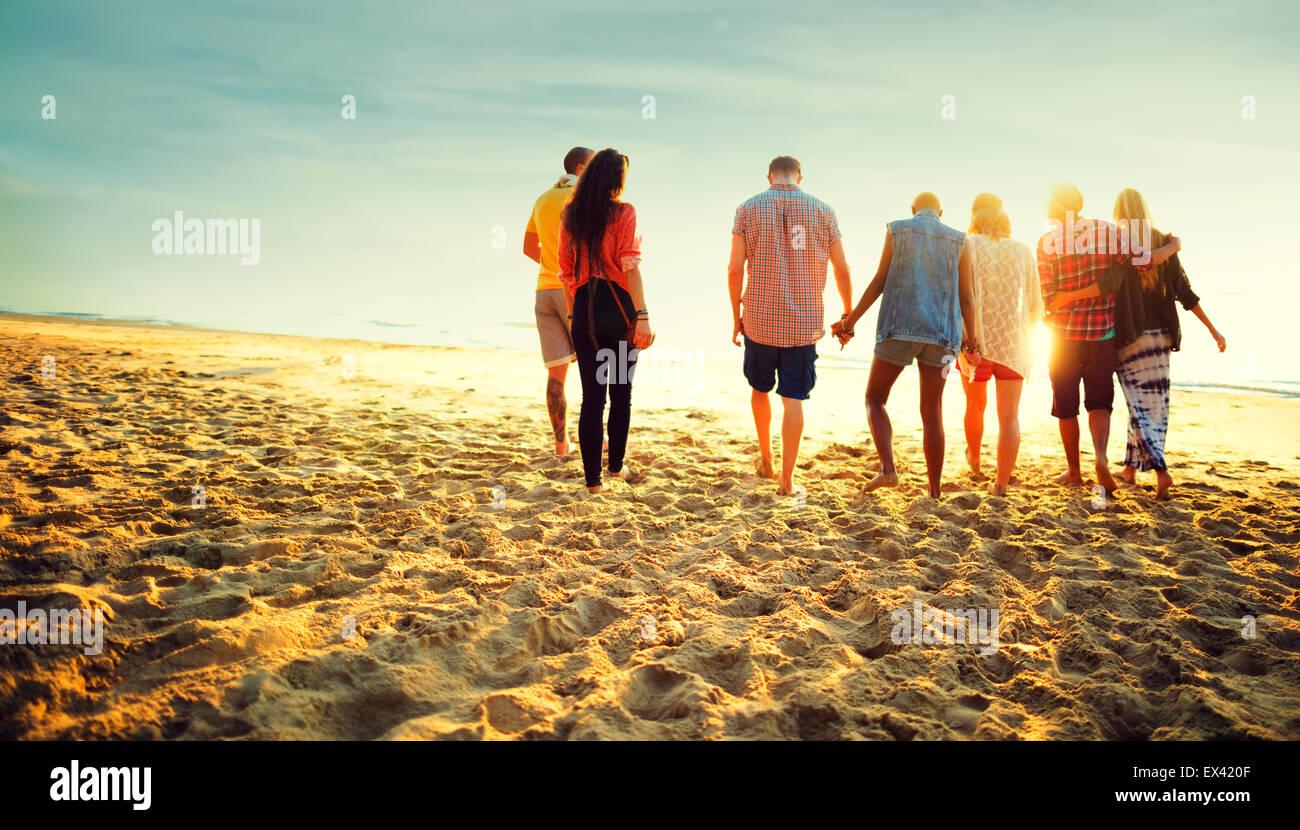 Amistad relajación Pegado de playa en verano, el concepto de la felicidad Imagen De Stock