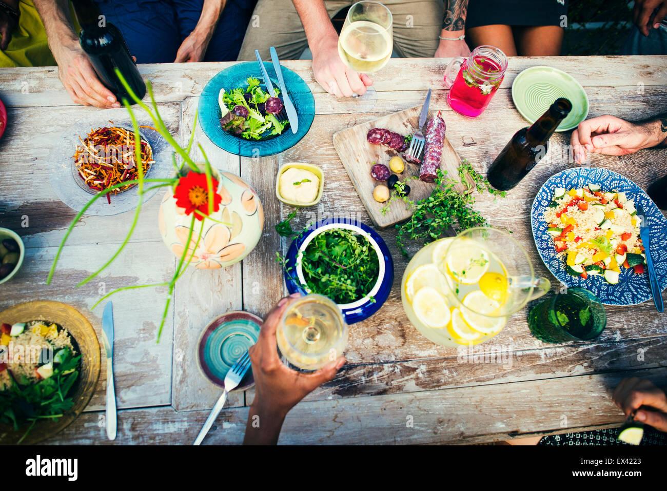 Tabla de alimentos saludables deliciosa comida orgánica concepto Imagen De Stock