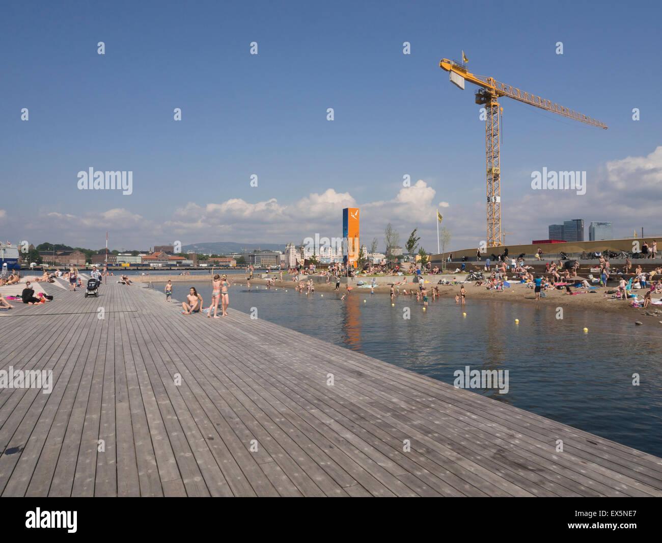 Una Nueva Ciudad Interior Playa Pública Con Grandes Terrazas