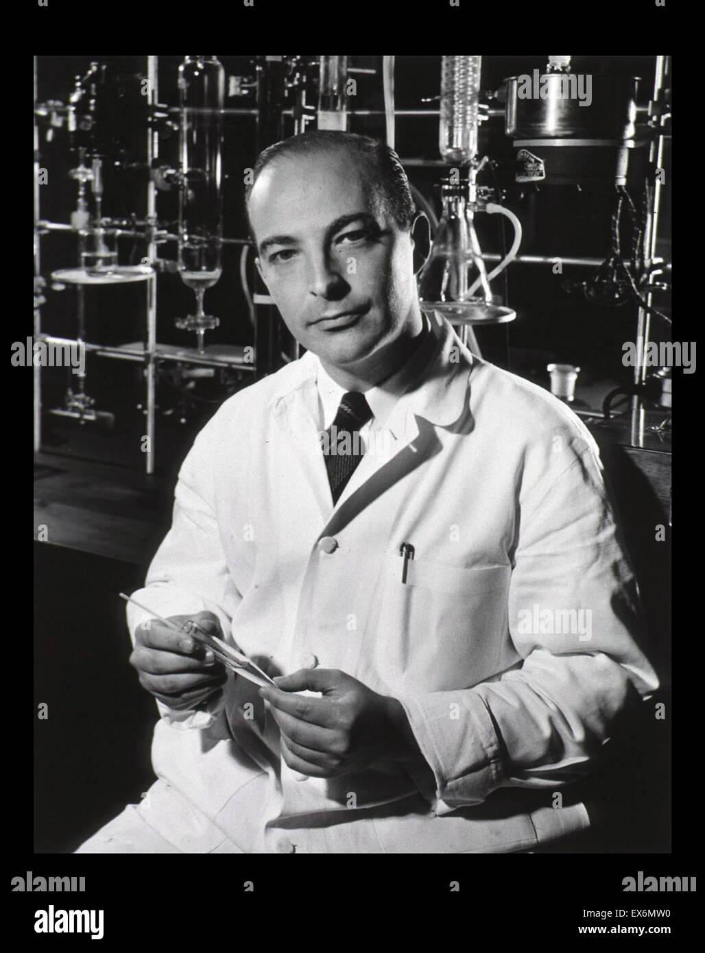Arthur Kornberg (1918-2007) bioquímico estadounidense que ganó el Premio Nobel de Fisiología o Medicina. Imagen De Stock