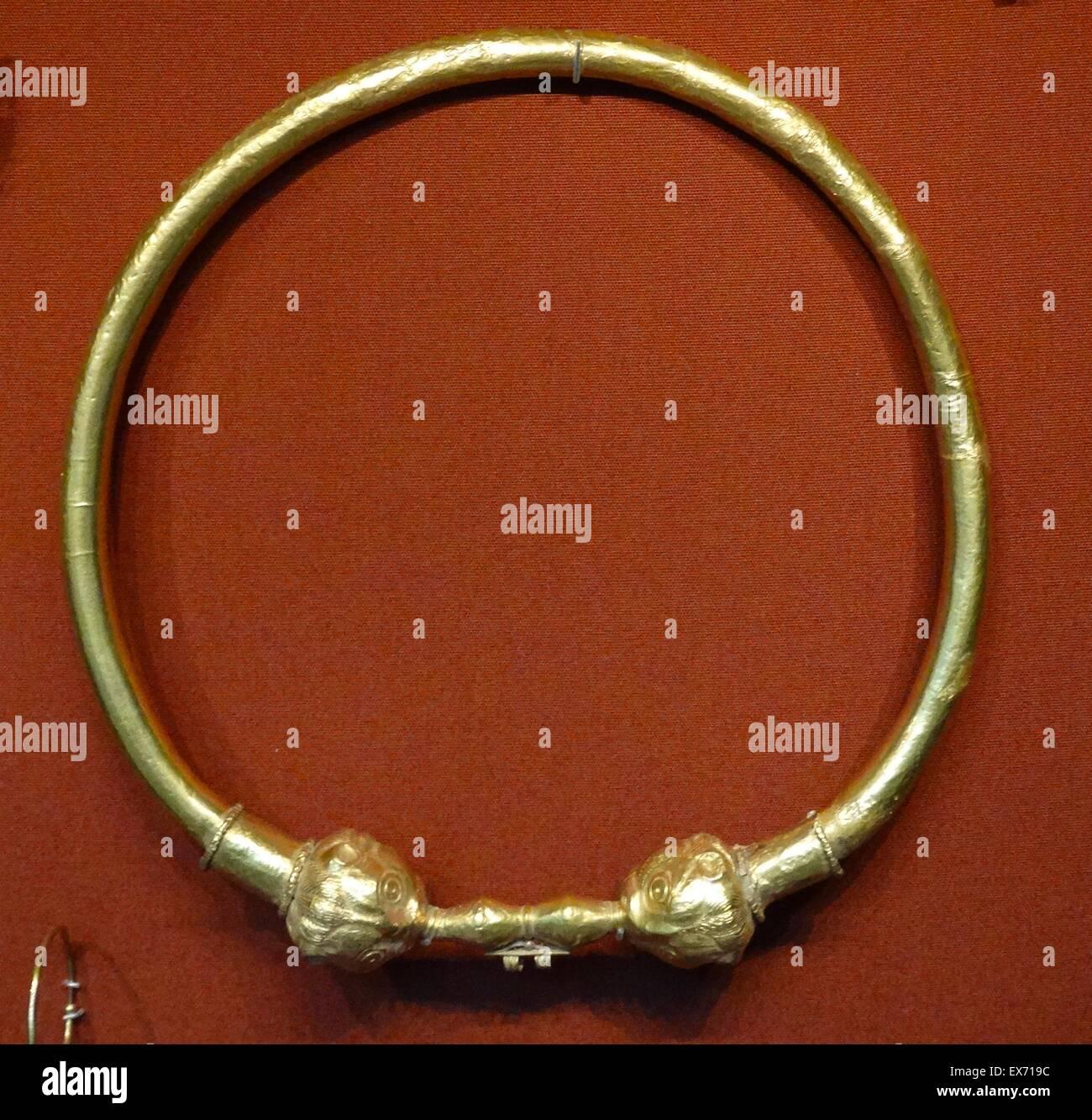 faaa69433774 Trabajo abierto de oro joyería tardío Romano Bizantino hasta principios del  siglo IV