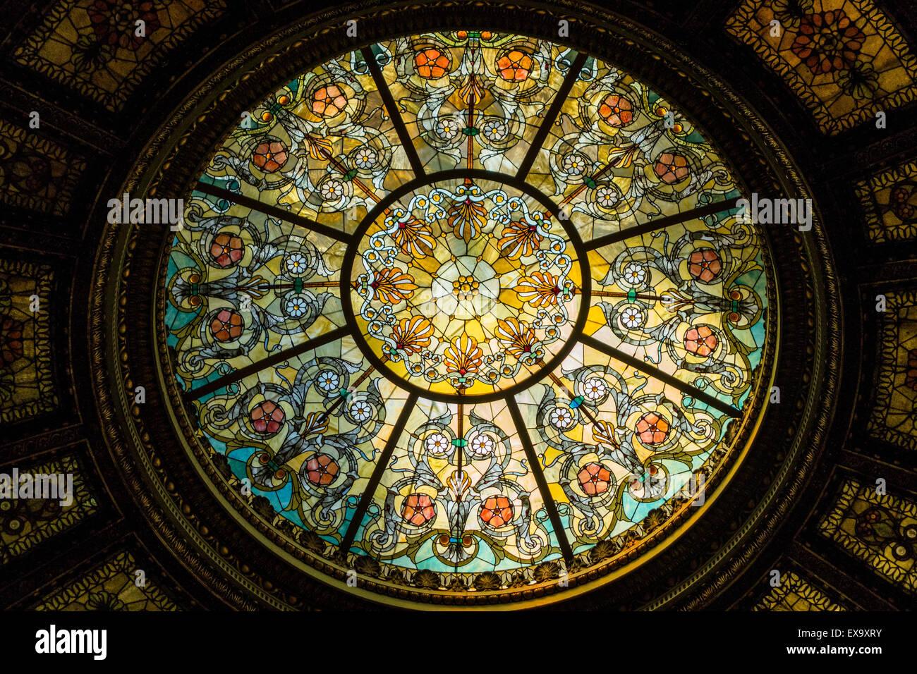 Tragaluz abovedado, Centro Cultural de Chicago, antiguamente la Biblioteca Pública de Chicago, Chicago, Illinois, Imagen De Stock