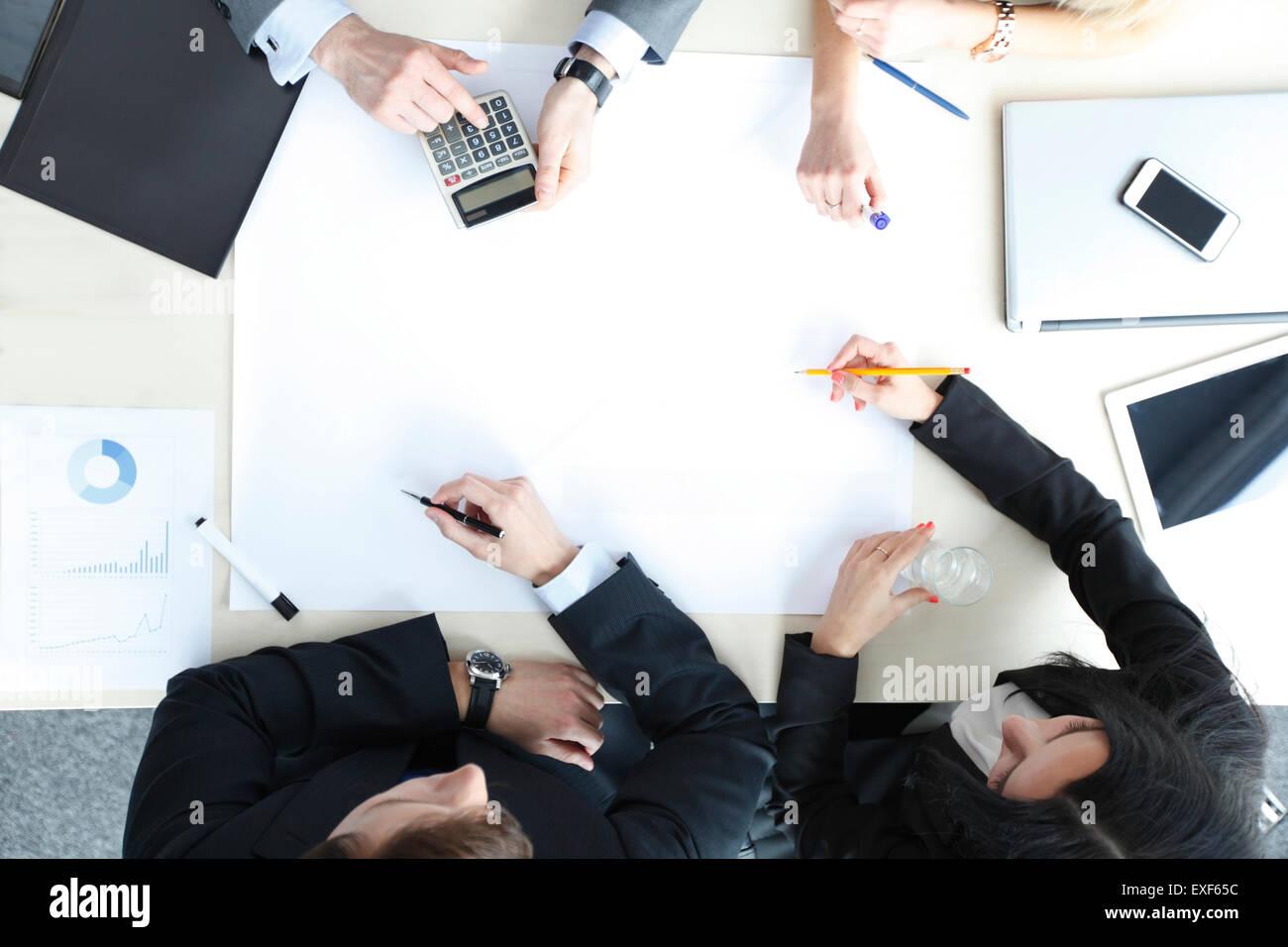 Los empresarios de reunión Imagen De Stock