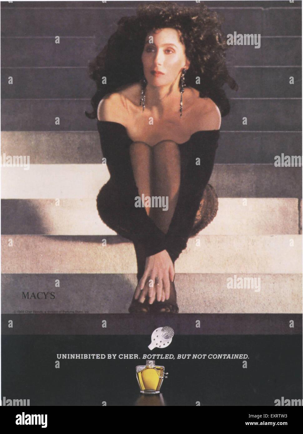 1980 EE.UU. Anuncio de la revista desinhibido por Cher Imagen De Stock