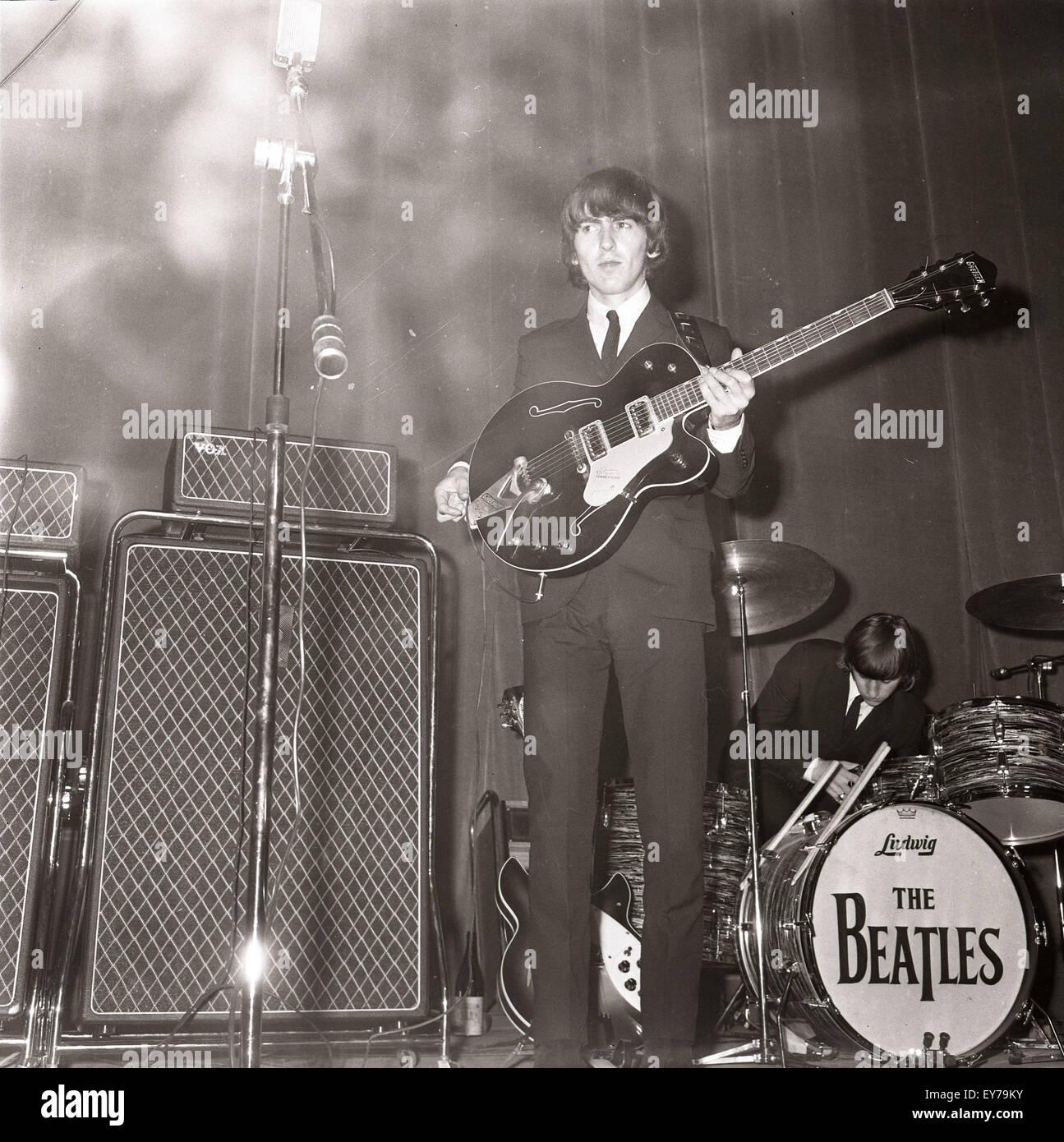 006181 - los Beatles en concierto en Roma, Italia, 27ª/28ª de junio de 1965 Imagen De Stock