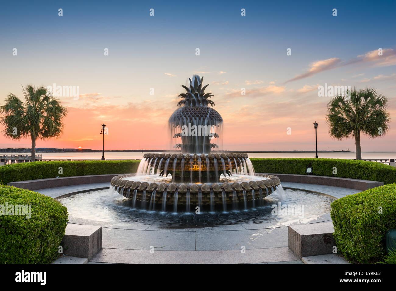 Charleston, Carolina del Sur, EE.UU. en el Waterfront Park, fuente de piña. Imagen De Stock