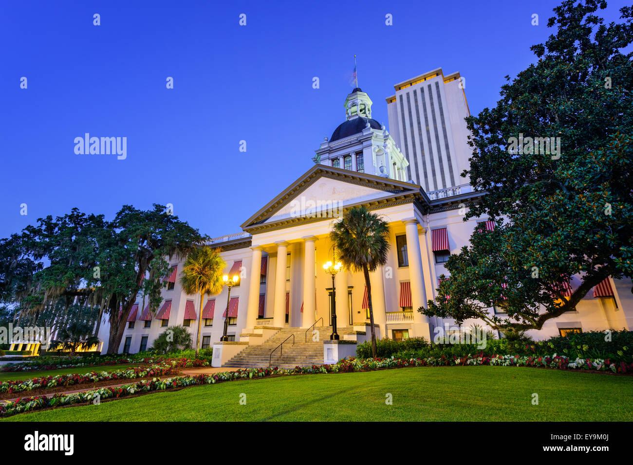 Tallahassee, Florida, EE.UU. en el Antiguo y el nuevo edificio del Capitolio. Imagen De Stock