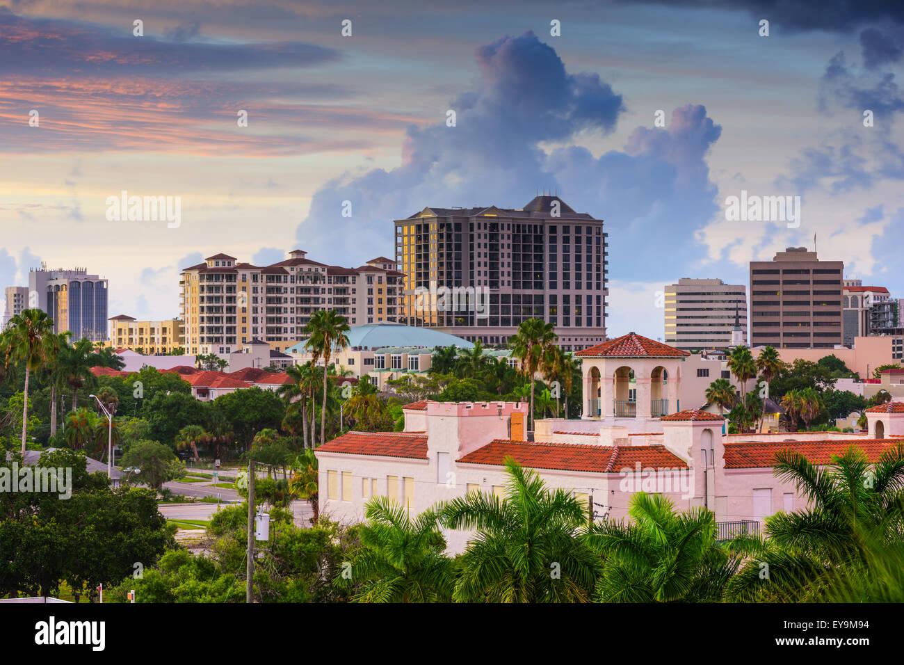 Sarasota, Florida, EE.UU. Perfil del centro de la ciudad. Foto de stock
