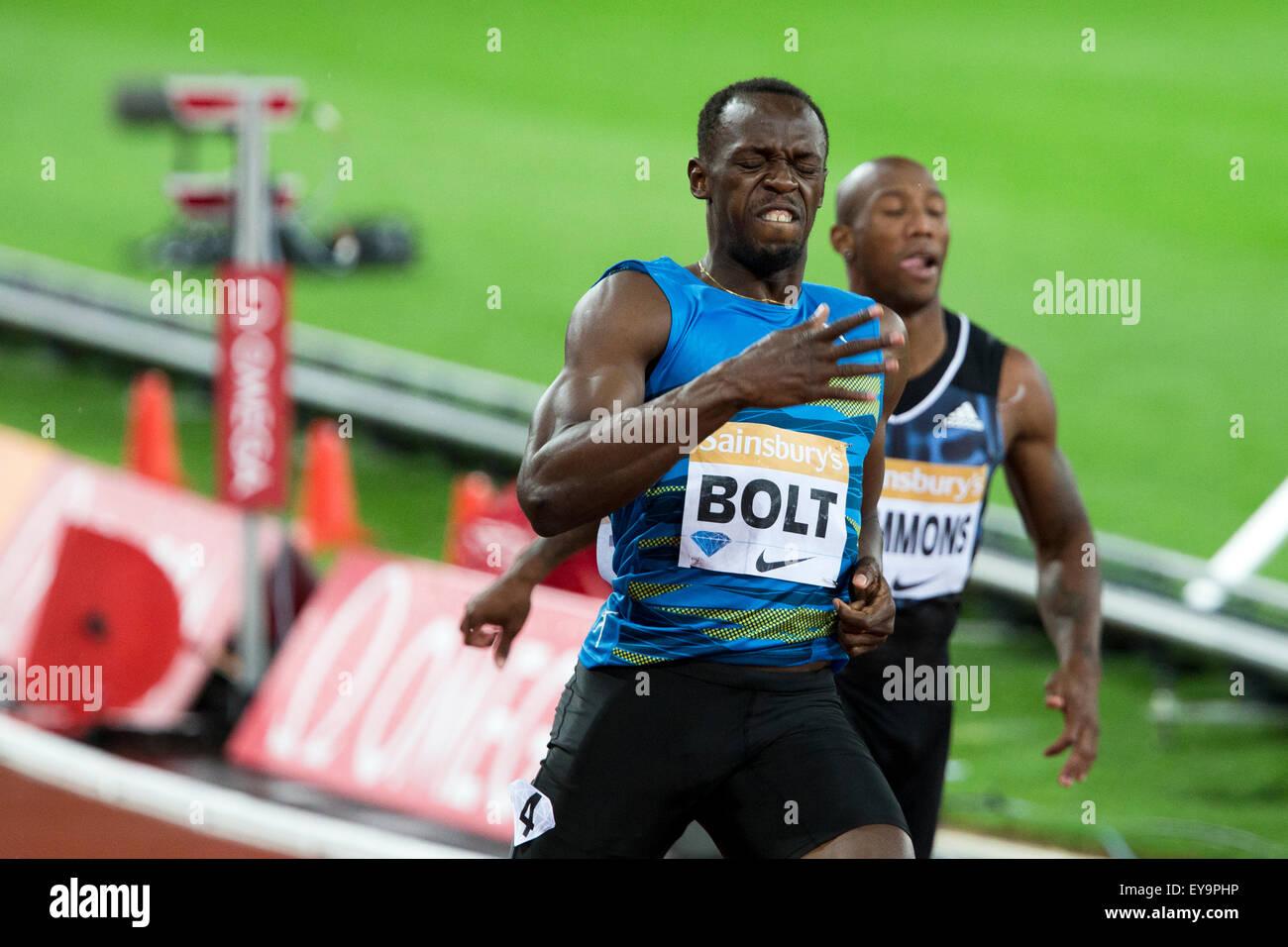 Londres, Reino Unido. 24 de julio de 2015. Usain Bolt, la final masculina de los 100 metros, Diamond League Sainsbury's Imagen De Stock