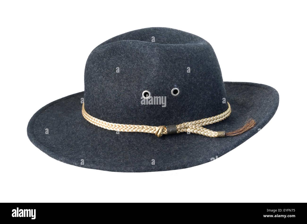 Sombrero de fieltro oscuro con cable trenzado - Ruta incluida Imagen De  Stock 0588b9c547a