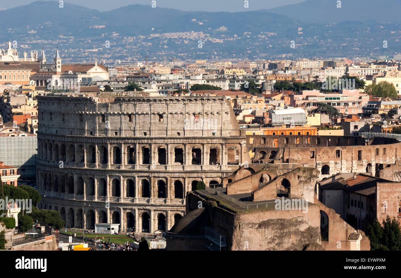 El Coliseo, la antigua Roma, Sitio del Patrimonio Mundial de la UNESCO, Roma, Lazio, Italia, Europa Imagen De Stock