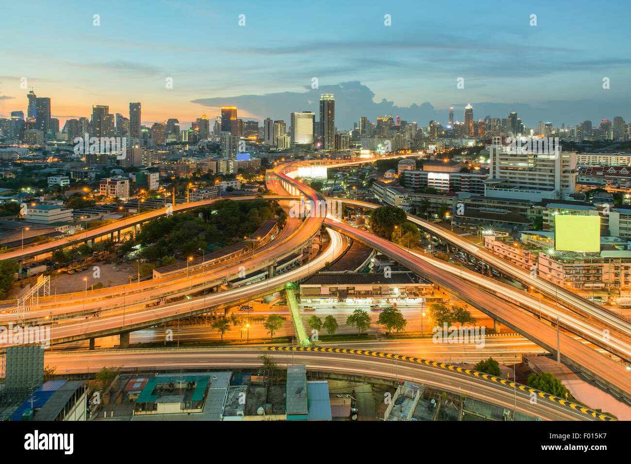 Paisaje urbano en medio de Bangkok,Tailandia Imagen De Stock