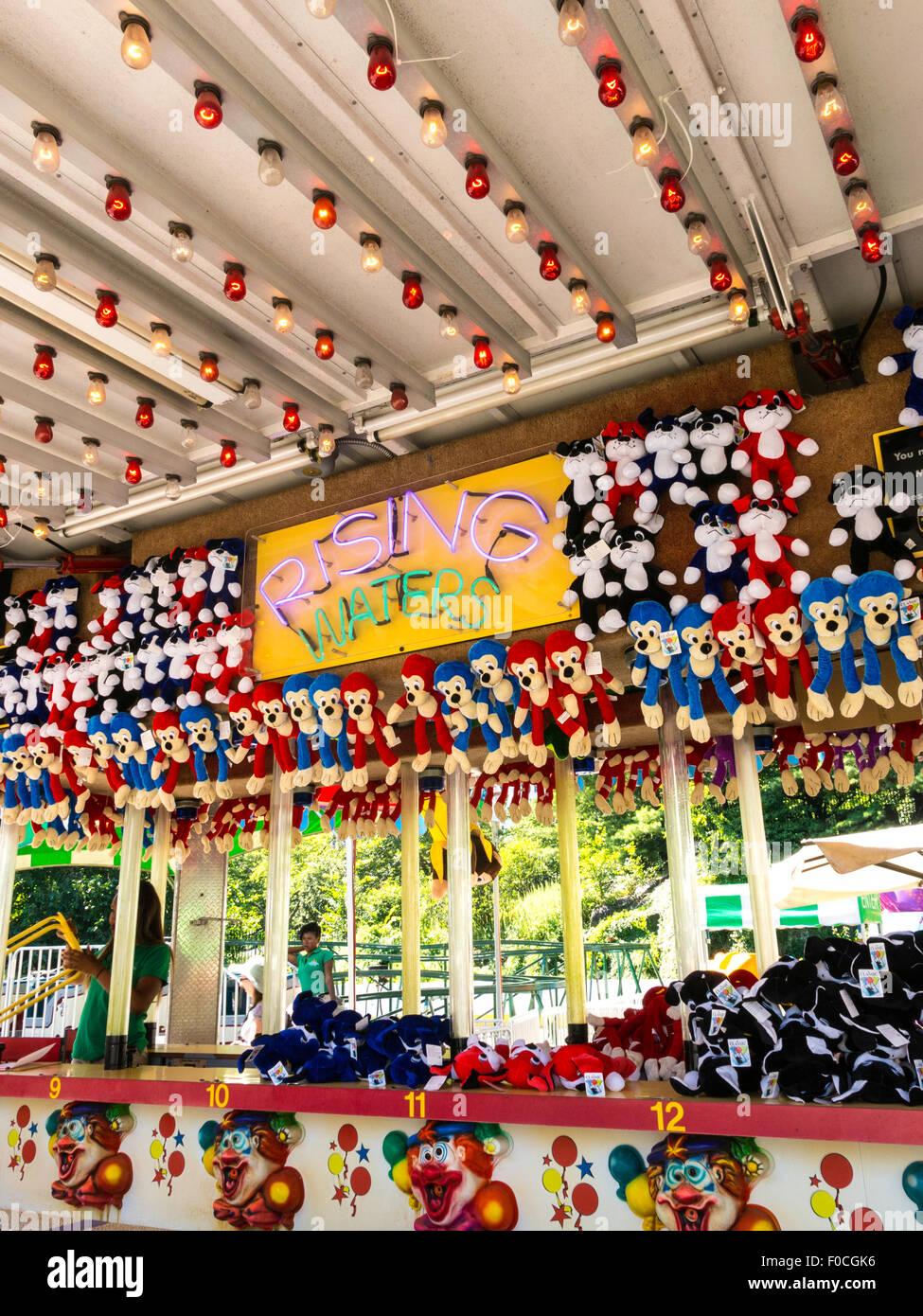 La chicharrita Arcade Juego con tema de payaso en Central Park, NYC Foto de stock