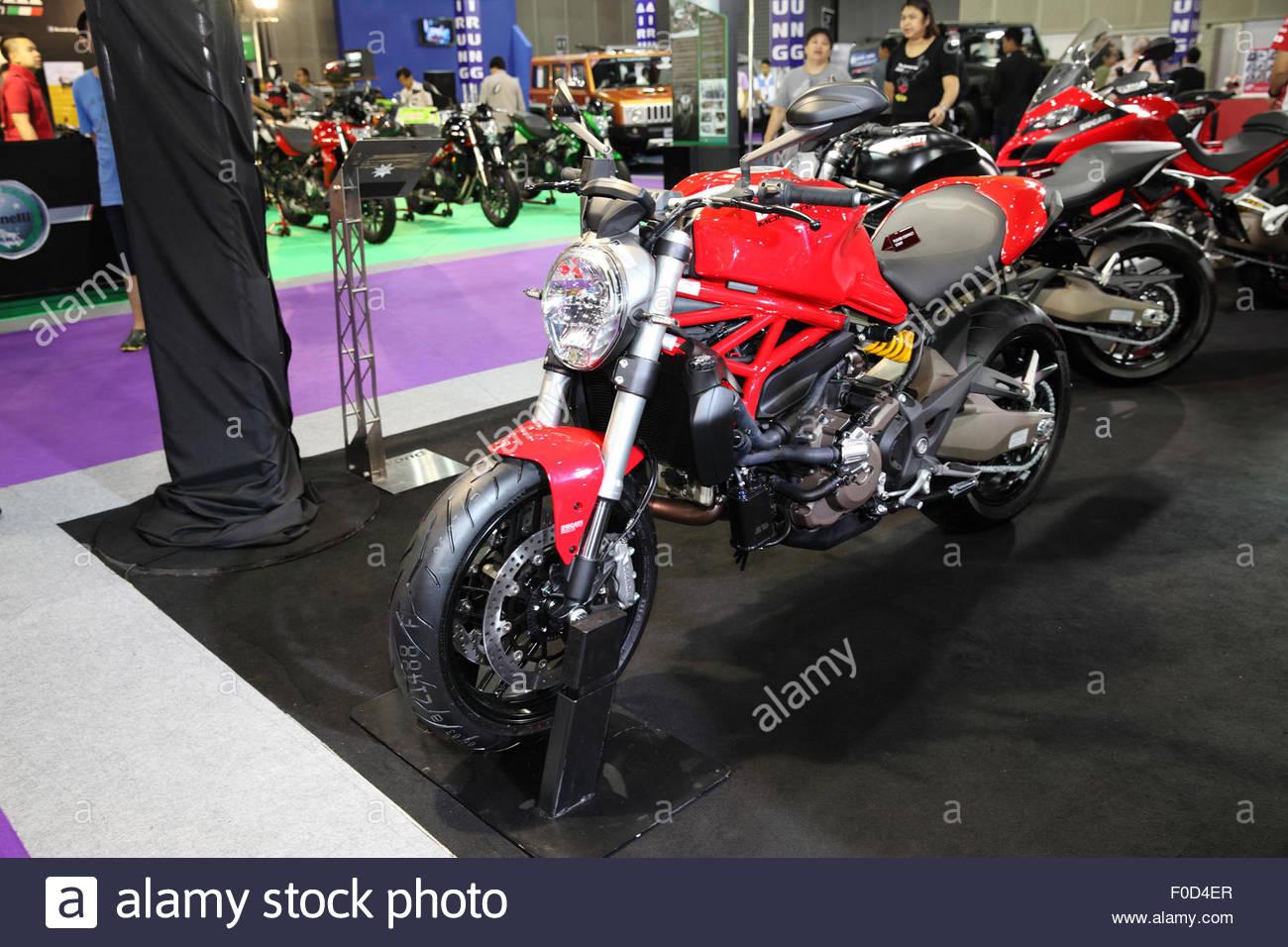 Ducati Monster Imágenes De Stock & Ducati Monster Fotos De Stock - Alamy