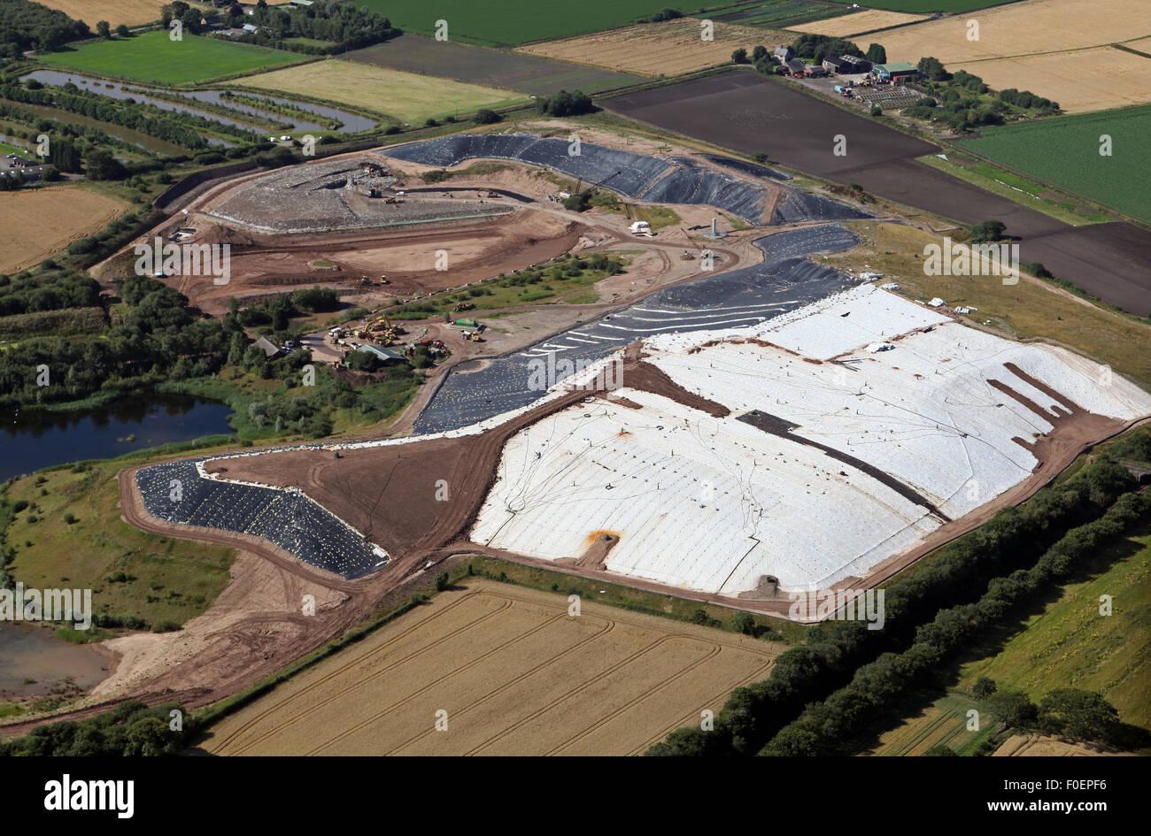 Vista aérea de una planta de reciclaje de residuos de punta a Rixton cerca de Warrington, Cheshire, Reino Unido Imagen De Stock
