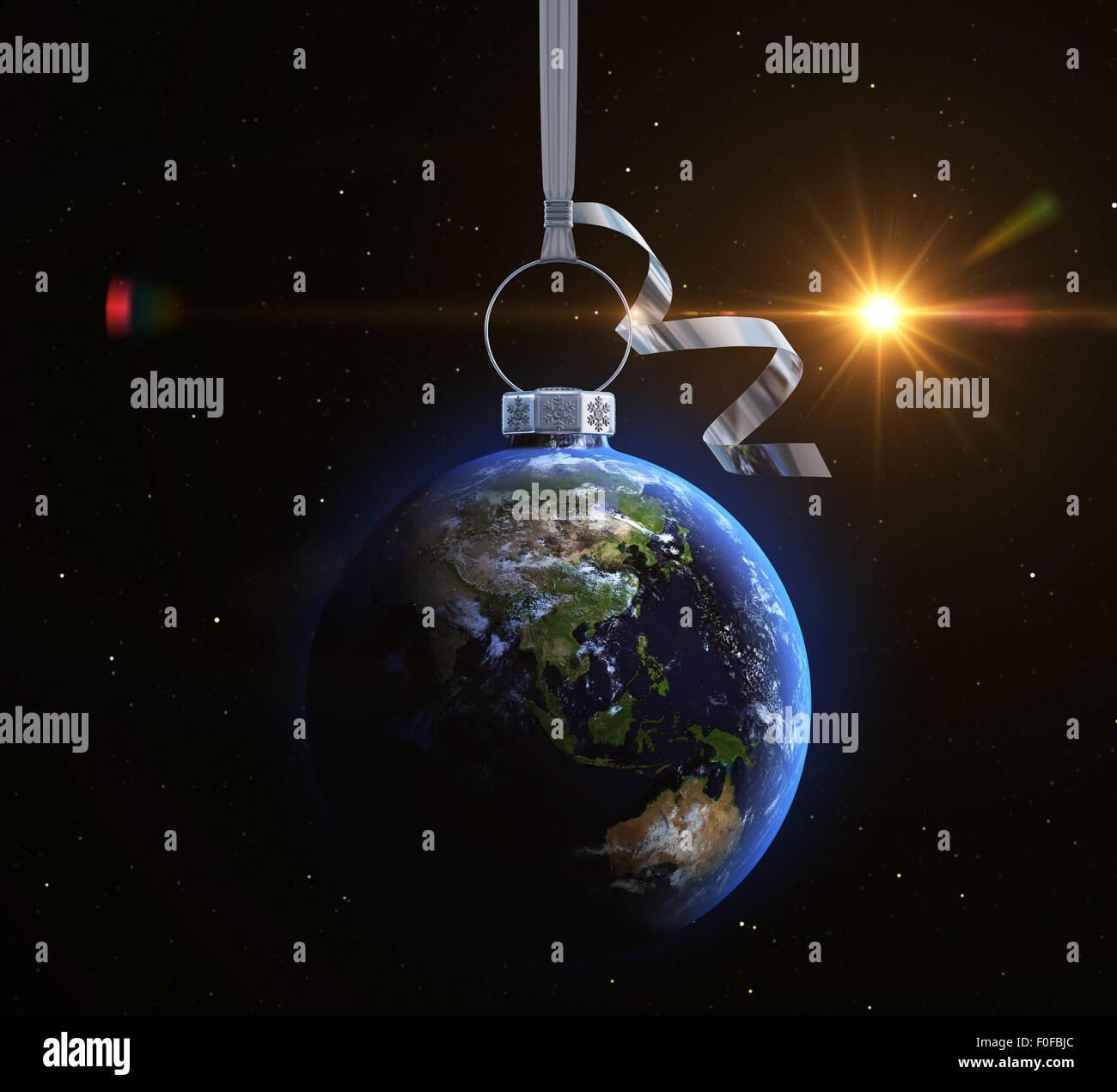 Bola de Navidad con textura de mapa mundial. Asia Imagen De Stock