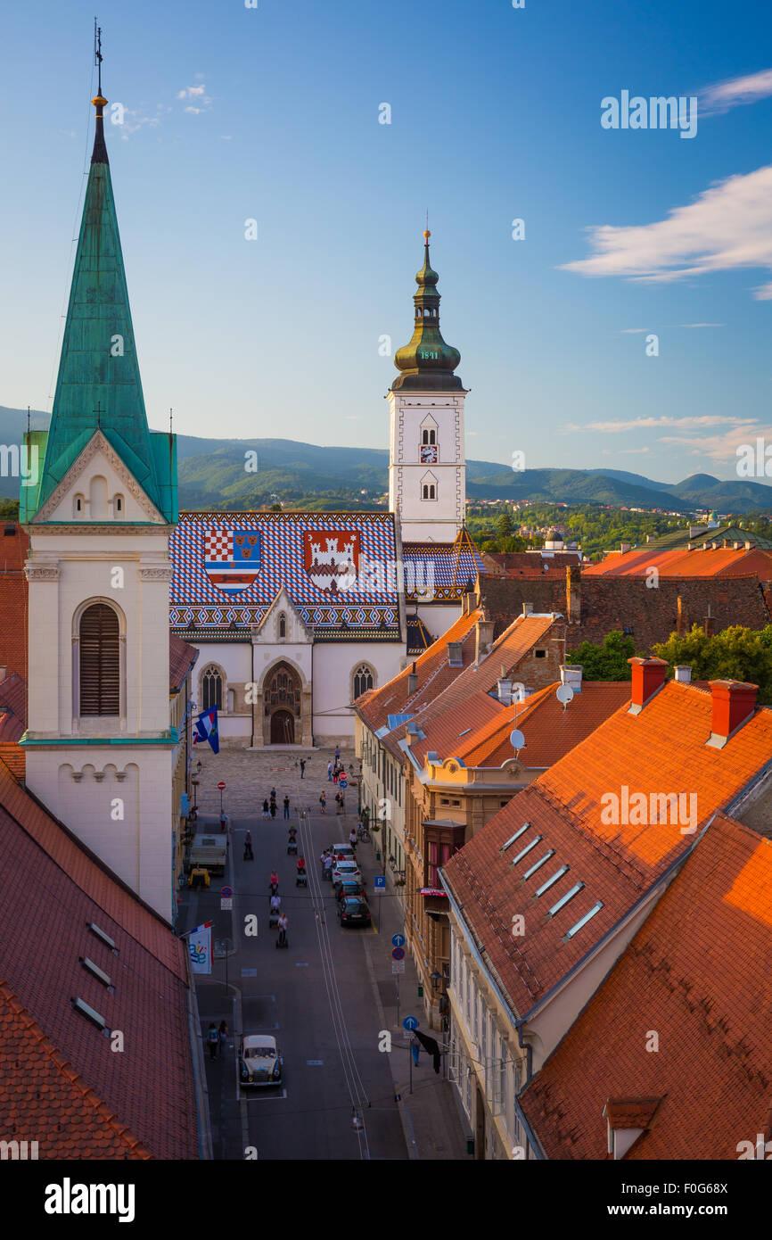Zagreb es una ciudad vibrante, de alrededor de 800.000 personas, que posee un encanto medieval 'ciudad vieja'. Imagen De Stock
