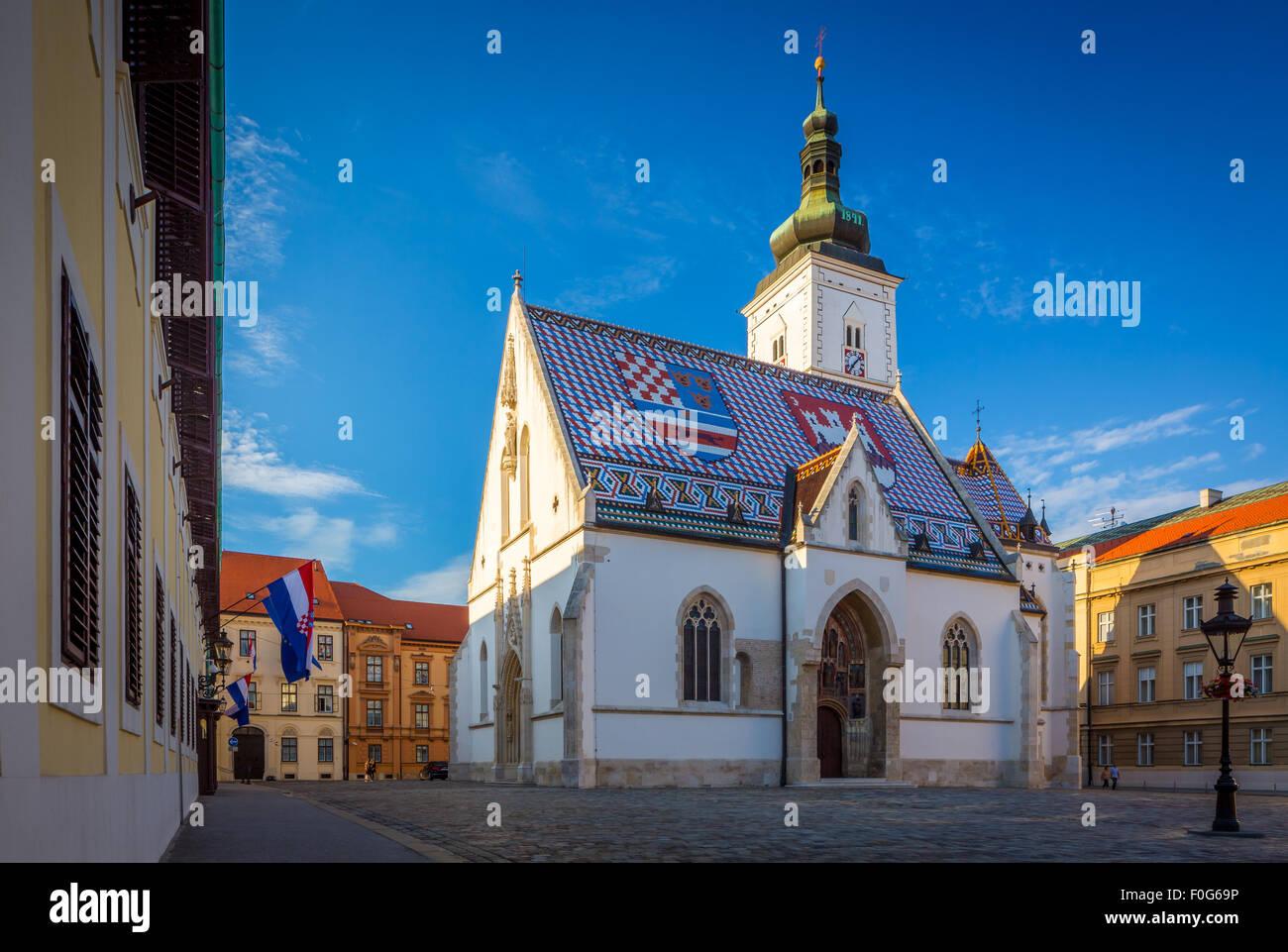 La colorida Iglesia de San Marcos, es uno de los edificios más antiguos de Zagreb y uno de sus símbolos Foto de stock