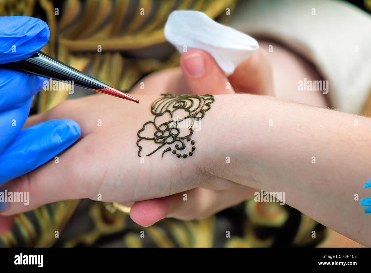 Herramienta Para Tatuajes Tatuajes De Hacer Un Dibujo En El Dorso De