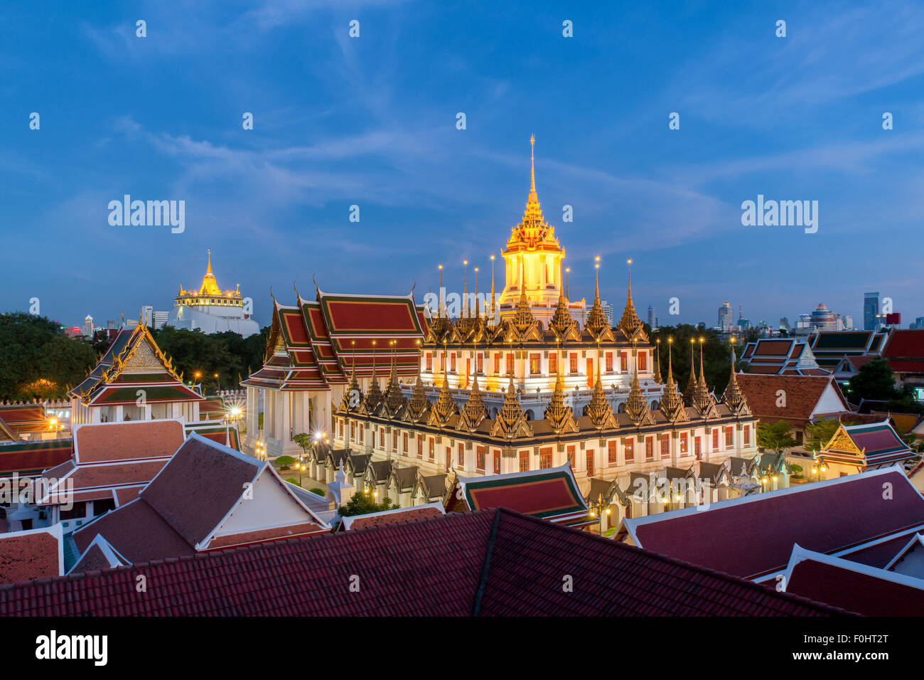 En Wat Ratchanadda Loha Prasat en Bangkok,Tailandia Imagen De Stock