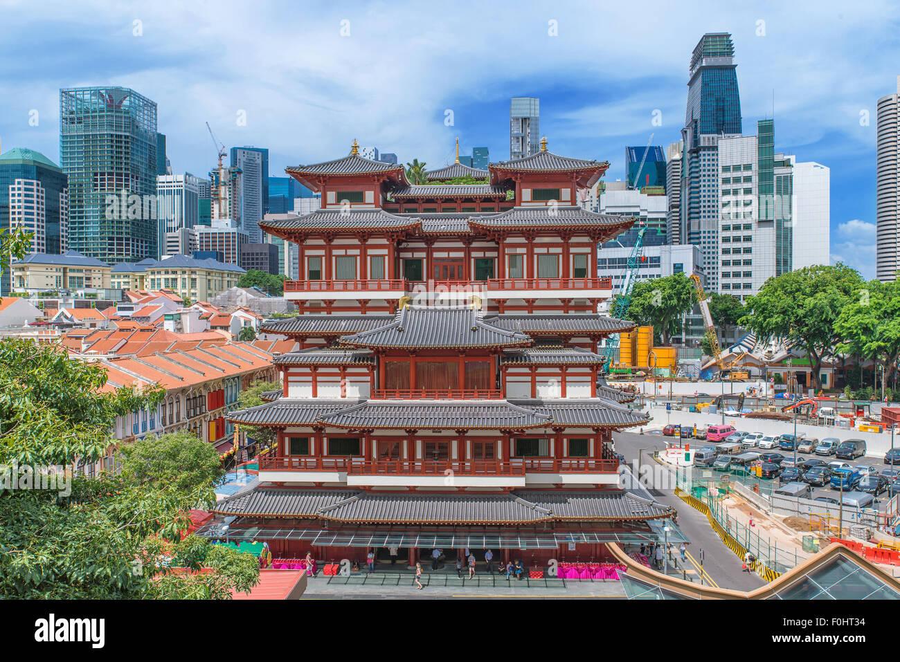 Templo de la Reliquia del Diente de Buda en el Chinatown de Singapur Imagen De Stock