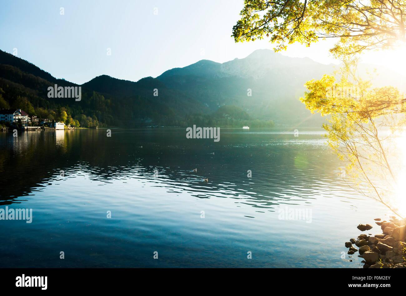 Puesta de sol sobre el lago Kochel, Baviera, Alemania Imagen De Stock