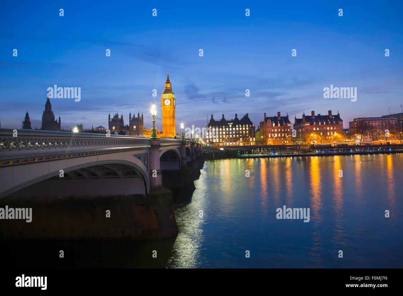 Londres, Las Casas del Parlamento (Palacio de Westminster), Thames y Westminster Bridge Foto de stock