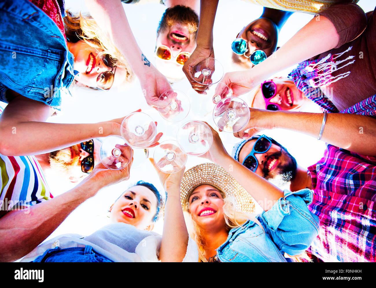 Playa Fiesta Cheers amistad verano divertido concepto Imagen De Stock