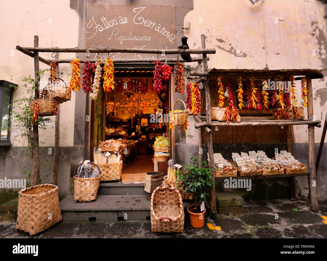 Tienda de comida italiana tradicional,Amalfi,Italia Imagen De Stock