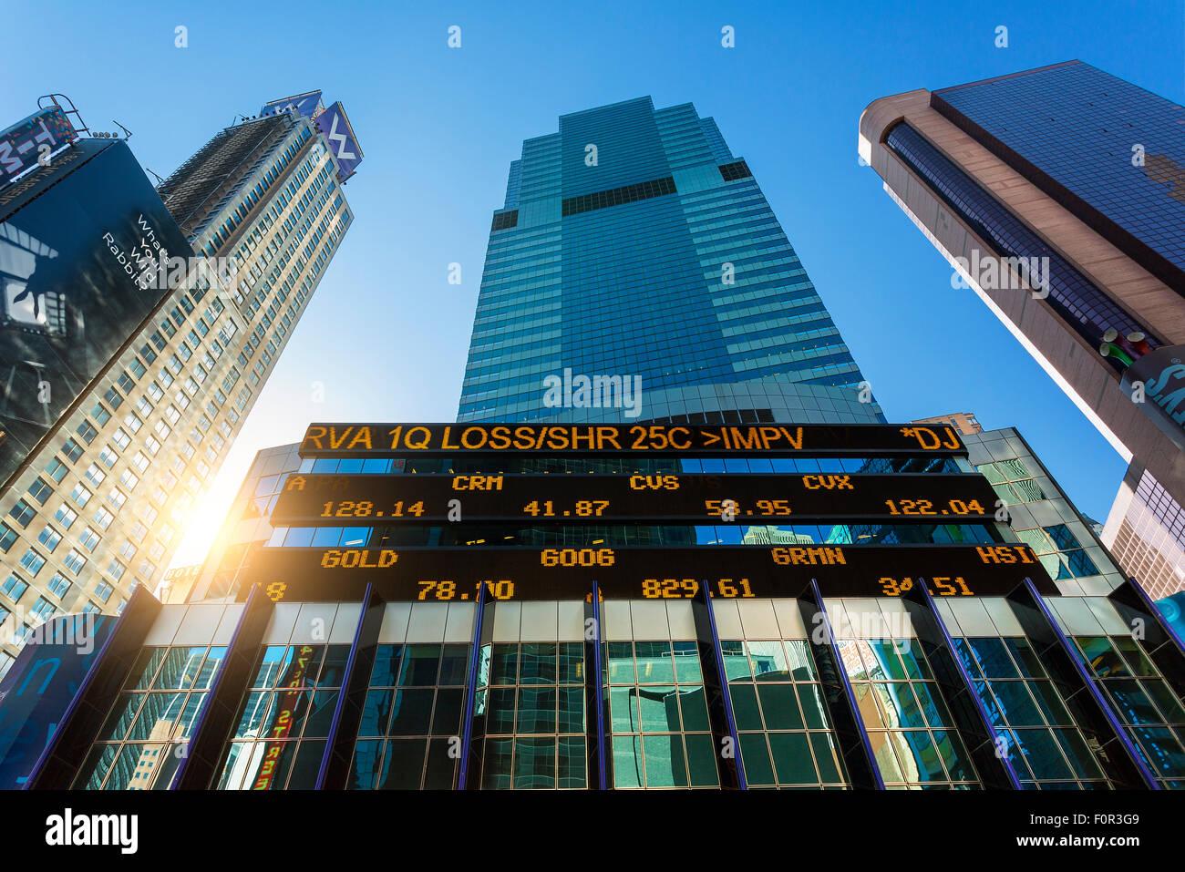 La Ciudad de Nueva York, Stock Ticker en edificio de Morgan Stanley. Imagen De Stock